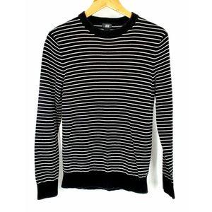 🕶 H&M Black & White Striped Preppy Sweater
